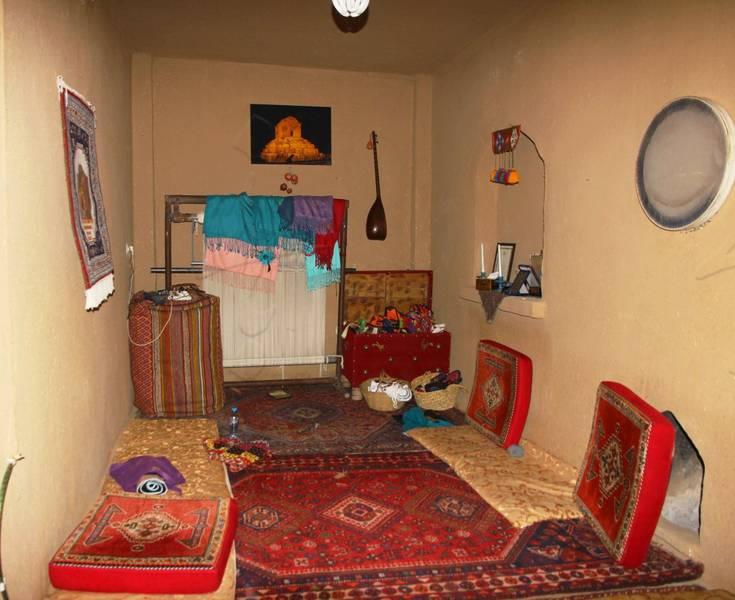 اقامتگاه گردشگری کلبه آقامیر پاسارگاد